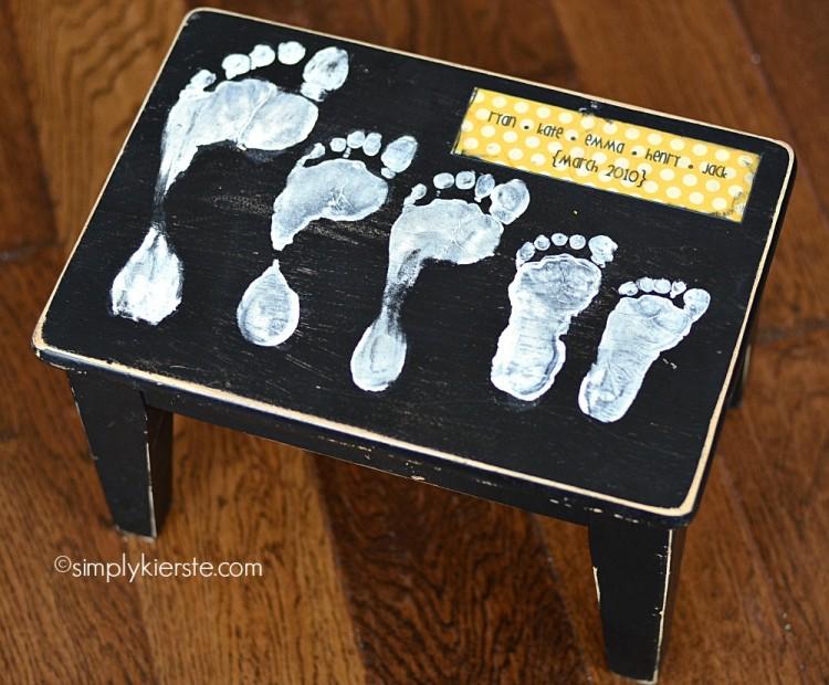 1 footprint stool-8-logo-750x620
