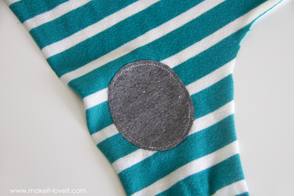 simple-DIY-baby-boho-leggings-from-a-tshirt-26