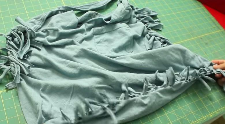 tshirt and hobo bag