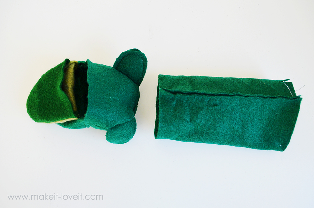 make your own felt animal hand puppets (19)