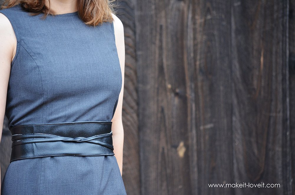 DIY Reversible Wrap Belt...a quick way to add fun detail to any outfit!   via Make It and Love It