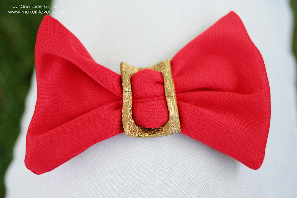 How to make an Easy Faux Metal Buckle Hair Bow | via makeit-loveit.com