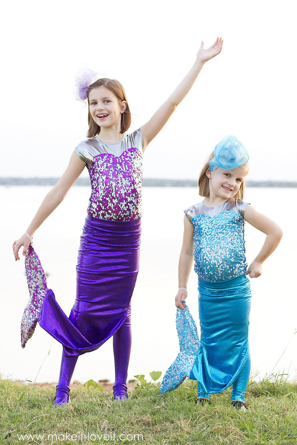 diy-mermaid-costume-with-a-repositionable-fin-7