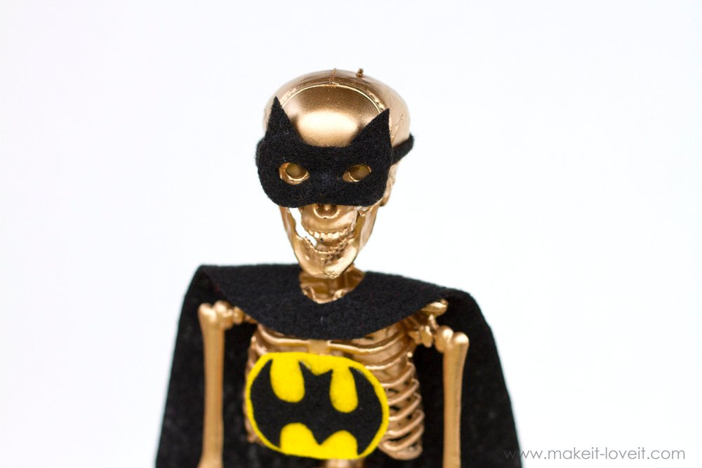 Costume Award Trophies (...for your Halloween Party), PART 2   via makeit-loveit.com