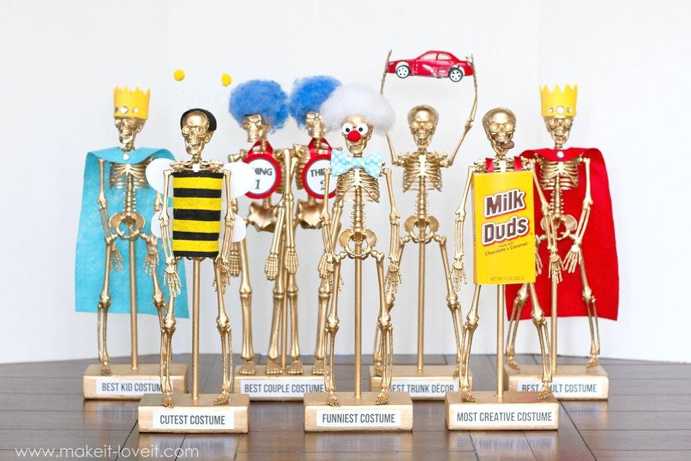 diy-halloween-costume-award-trophies-41